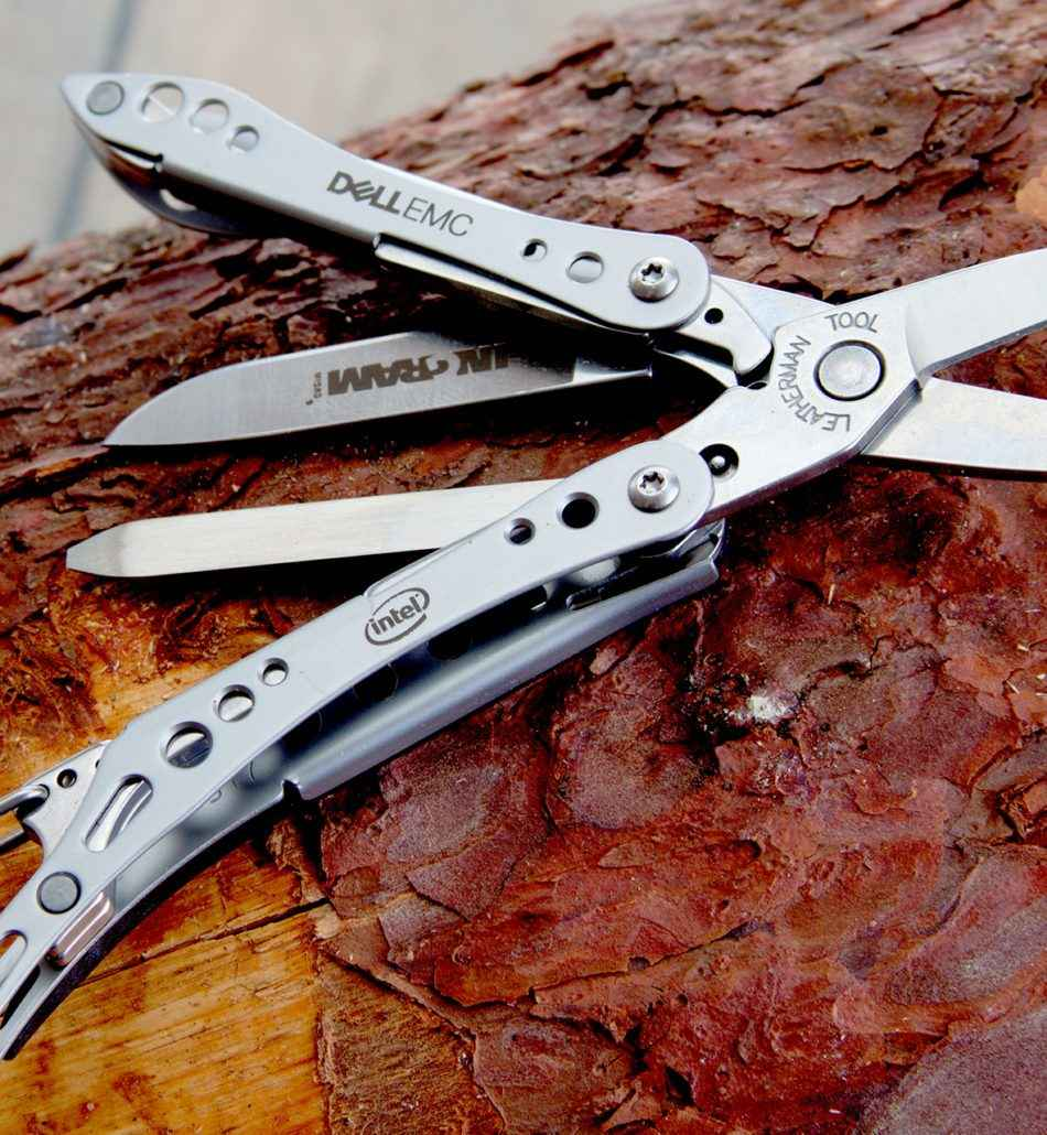 Multitool z grawerem