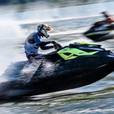 Wyścigi skuterem - atrakcja udanego eventu